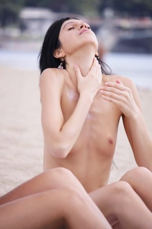 Cassilde chinese escorts services in La Riviera, CA